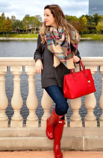 تنسيق اللون الأحمر في ملابس الشتاء - الأحذية والحقائب بالأحمر