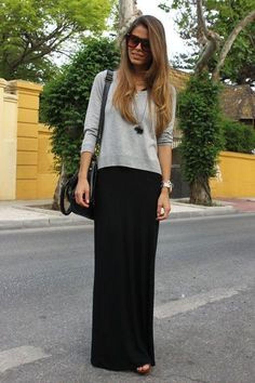 طرق لبس الجاكيت الجينز مع الجونلة - الجيبة السوداء
