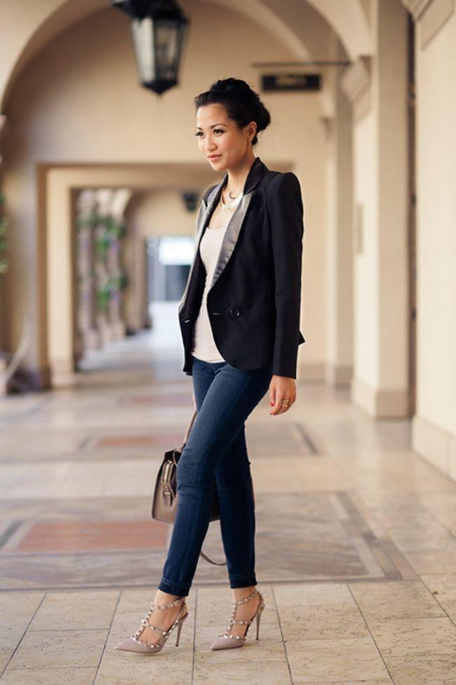 طرق ارتداء البليزر الملون لمظهر عملي - البليزر الطويل مع الجينز