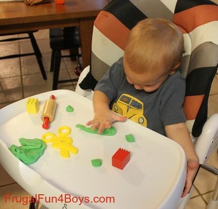 ألعاب منتسوري لعمر 6 شهور - ألعاب الصلصال