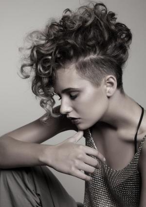 أنواع قصات الشعر وأسماؤها للنساء - قصة الموهوك
