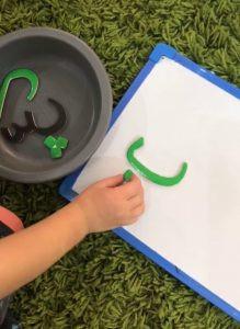 كيفية تعليم الطفل الكتابة لاول مرة - لعبة أوجد الحرف