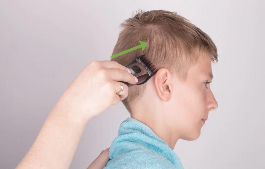 طريقة قص شعر الأولاد بالماكينة - قص شعر الطفل