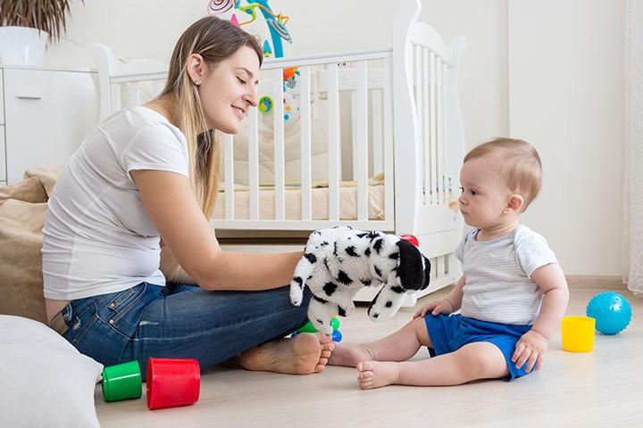 ألعاب الطفل في الشهر السابع - لعبة الدمى