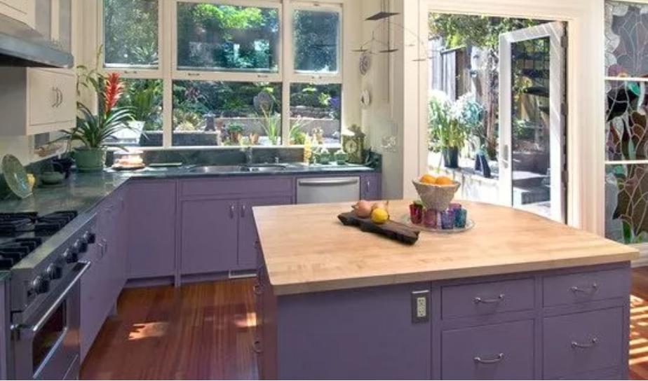 بالصور ديكورات للمطبخ باللون البنفسجي - خزائن المطبخ