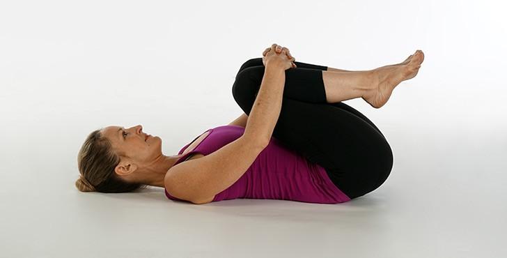 التهاب العصب الوركي-تمرين الركبة إلى الصدر