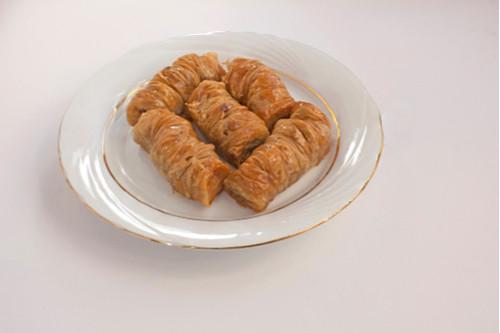 طريقة عمل البقلاوة المبرومة - أشهر الحلويات التركية