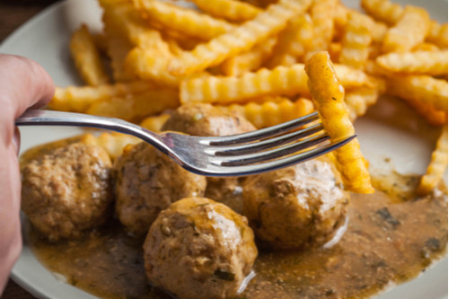 وصفات بالدجاج المفروم - طريقة عمل كرات الدجاج بالبصل علي الطريقة الفرنسية