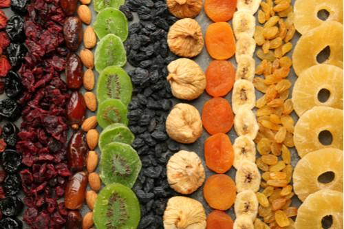 فوائد الفواكه المجففة - أضرار الفواكه المجففة