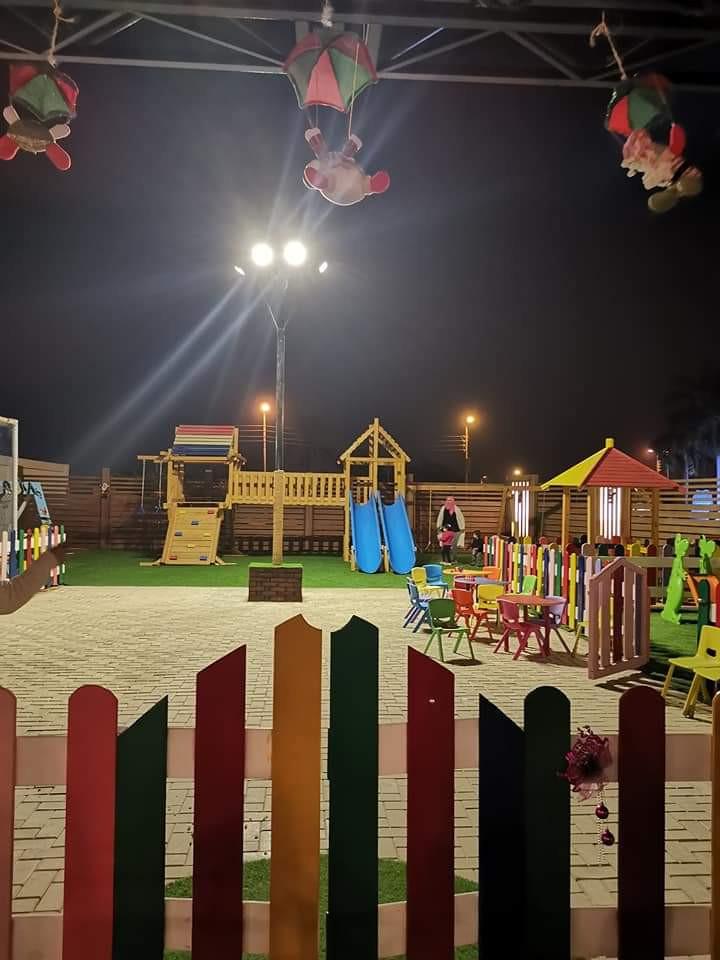 مطاعم فيها ألعاب أطفال ـ أويا داون تاون