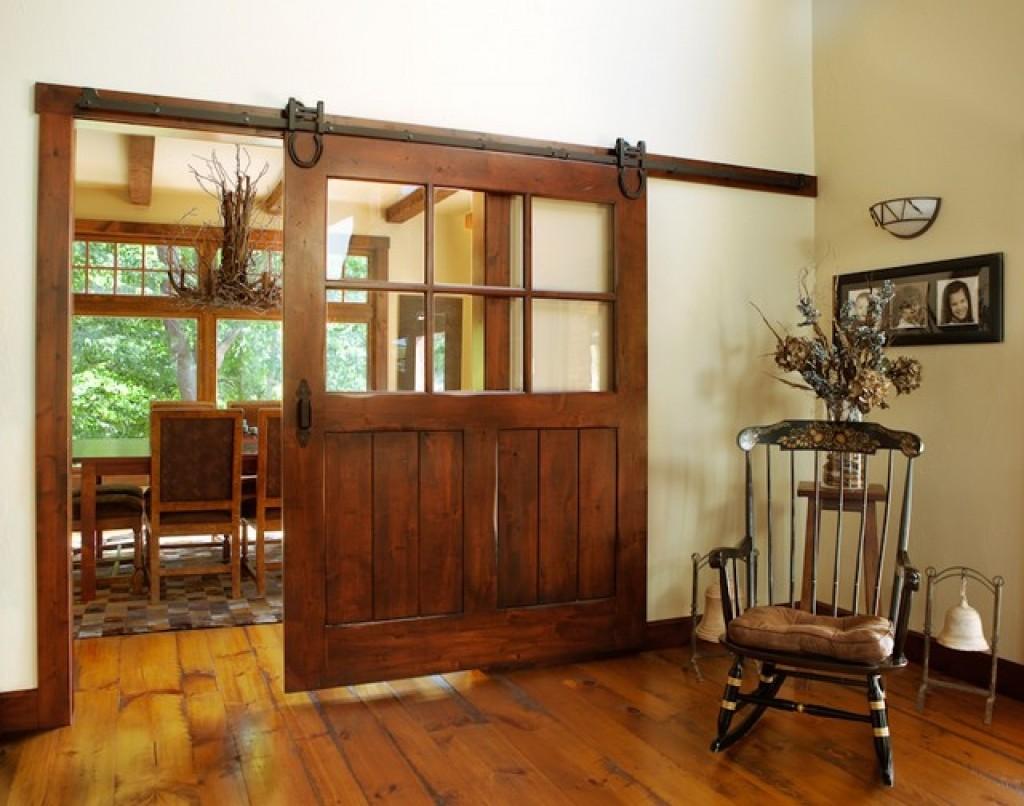 أشكال أبواب جرارة داخل المنزل ـ باب جرار خشب مع زجاج قطعة واحدة