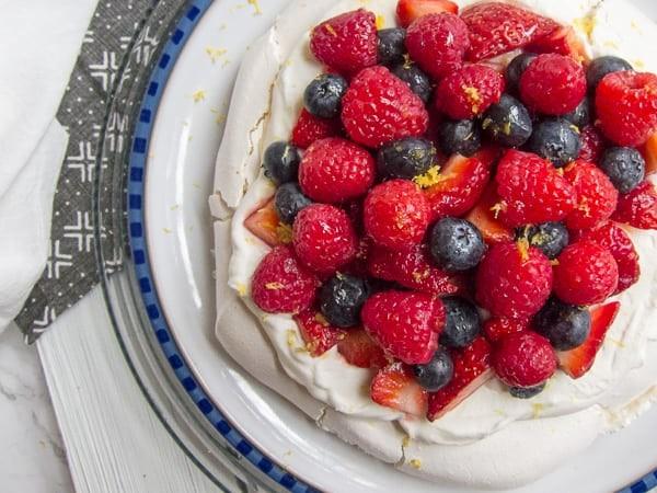 7 حلويات شهيرة من المطبخ العالمي ـ حلوى الليمون بالتوت