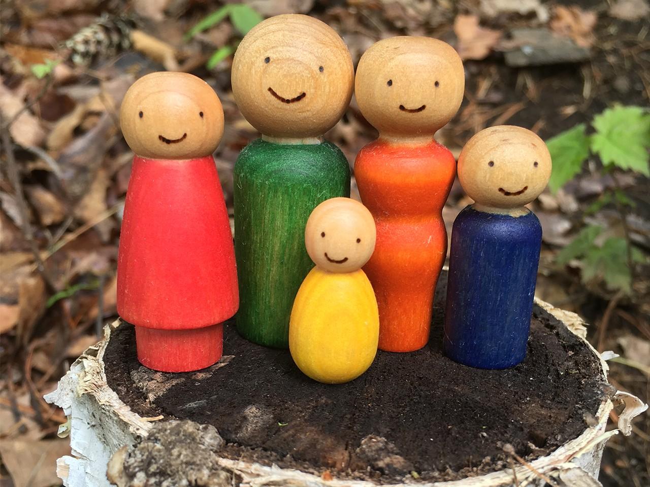 ألعاب خشبية للأطفال ـ العرائس الخشبية