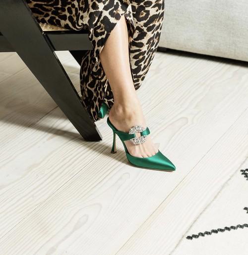 فستان سواريه باللون الجنزاري ـ حذاء جنزاري