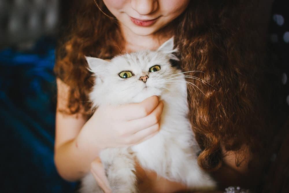 أفكار للصور العائلية مبتكرة ـ الطفل مع حيوانه الأليف