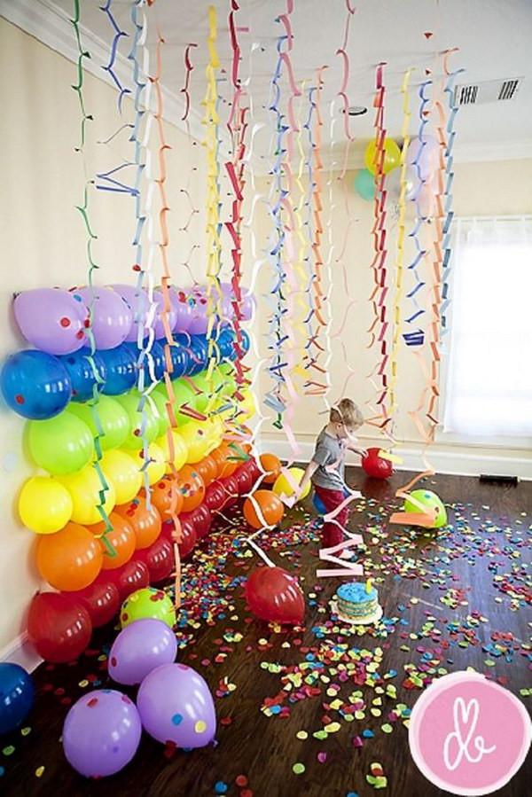 طريقة عمل أشكال بالبالونات لأعياد الميلاد - صفوف البالونات
