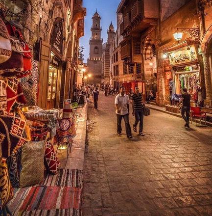 أماكن سياحية عائلية في القاهرة - شارع المعز لدين الله