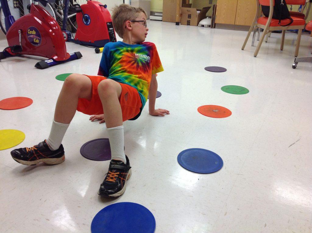 تمارين للأطفال 10 سنوات - تمرين السلطعون