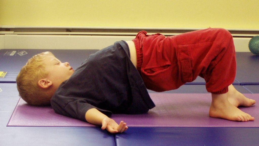 تمارين للأطفال 10 سنوات - تمرين الجسر
