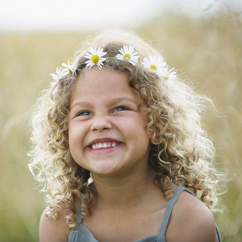 تسريحات للاطفال الصغار - تاج الزهور