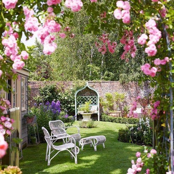 كيفية عمل حديقة منزلية صغيرة - حدائق بها مكان للجلوس4