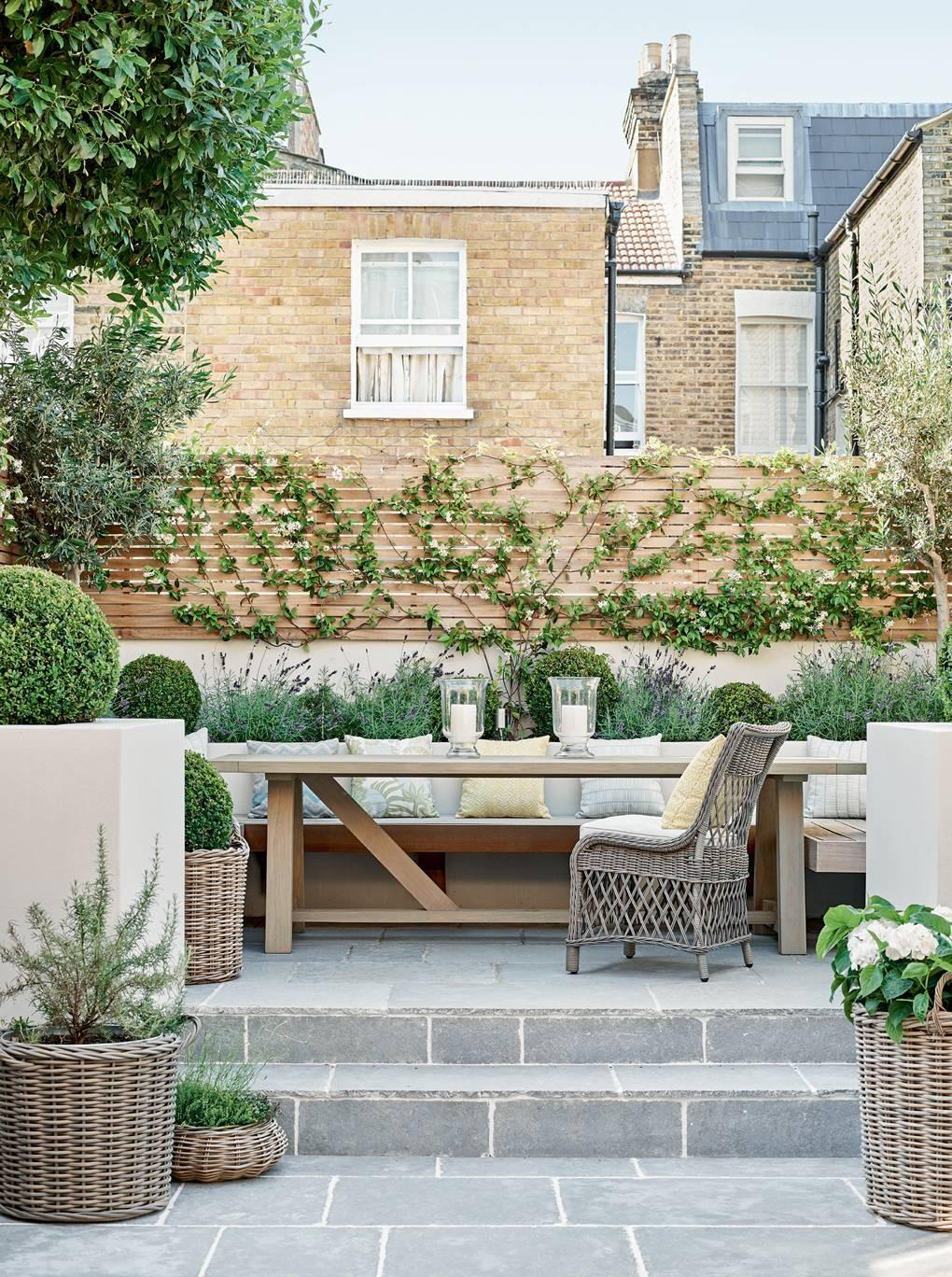 كيفية عمل حديقة منزلية صغيرة - حدائق بها مكان للجلوس5