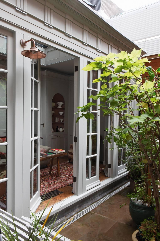كيفية عمل حديقة منزلية صغيرة - حدائق مفتوحة على إحدى الغرف1