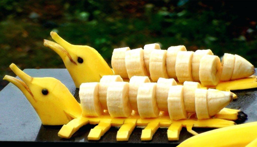 طريقة تقطيع الموز - تقطيع الموز على شكل دلوفين