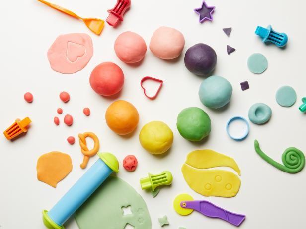 دون ملل: 7 أفكار لتسلية الأطفال في المنزل