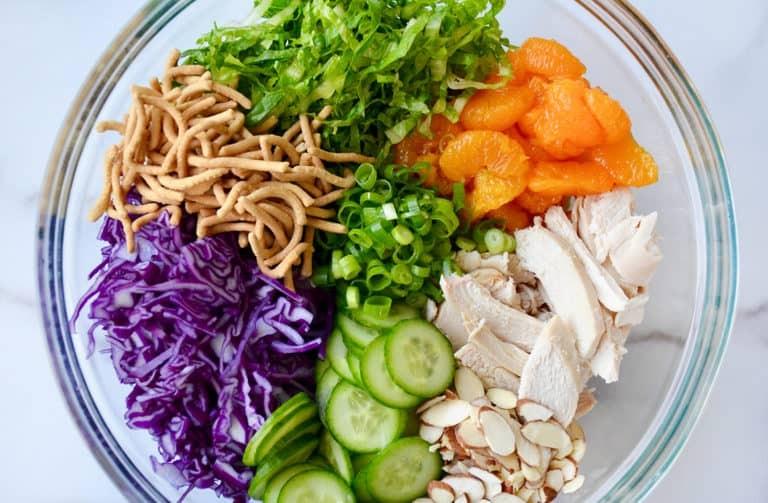 7 وصفات من المطبخ الصيني- سلطة الدجاج الصينية مع صلصة السمسم
