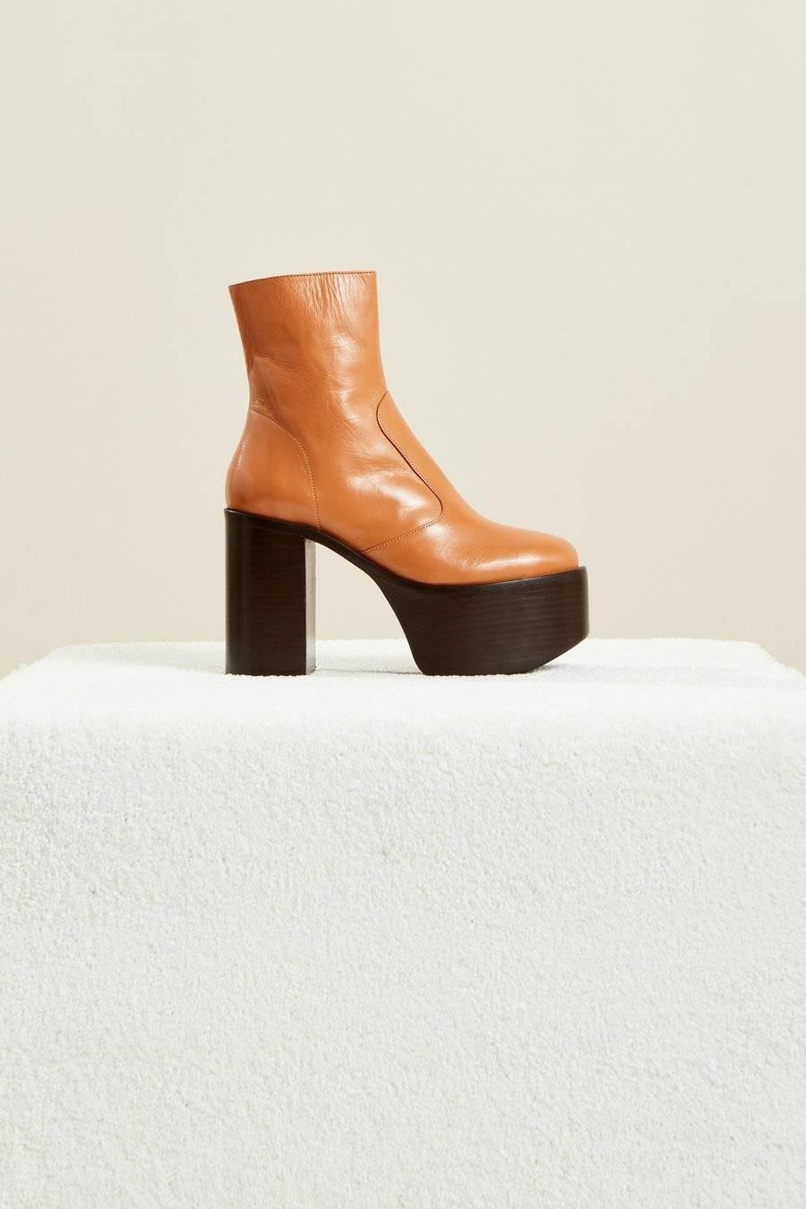 موضة أحذية شتاء 2021-البوت الجلد