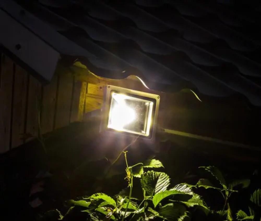 إضاءة-خارجية-للحدائق 2