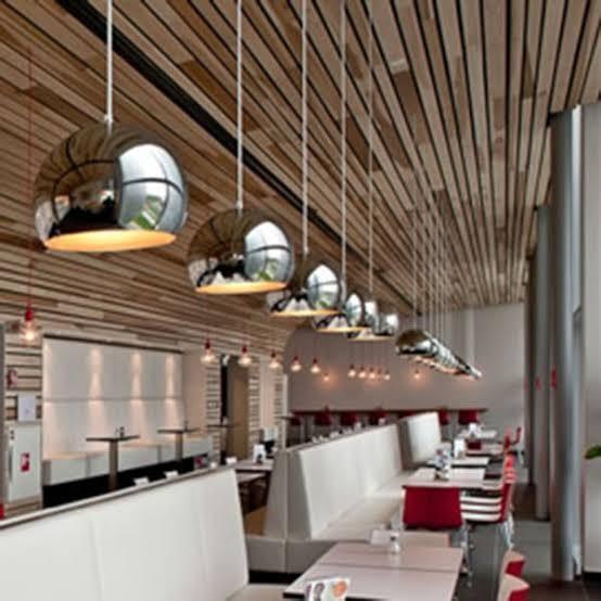 ديكورات-سقف-معلق-خشب-سقف-خشبي-في-خطوط-مستقيمة-بالإضاءات