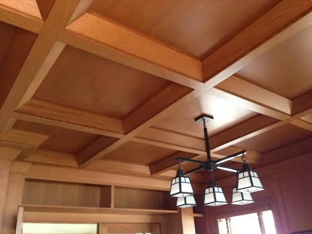 ديكورات-سقف-معلق-خشب-نجف-للسقف