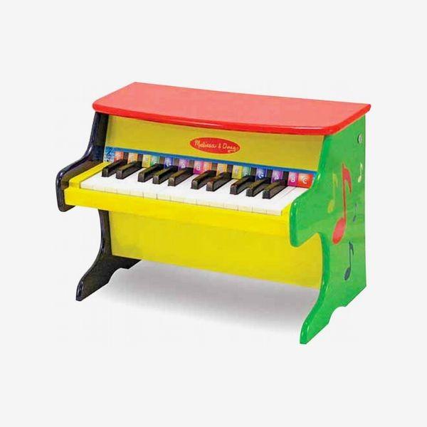 ألعاب-الطفل-في-عمر-السنة-بيانو