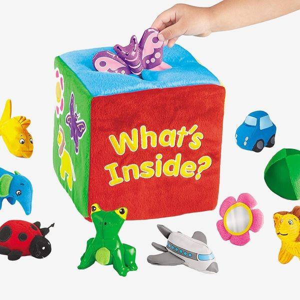 ألعاب-الطفل-في-عمر-السنة-صندوق-الألعاب