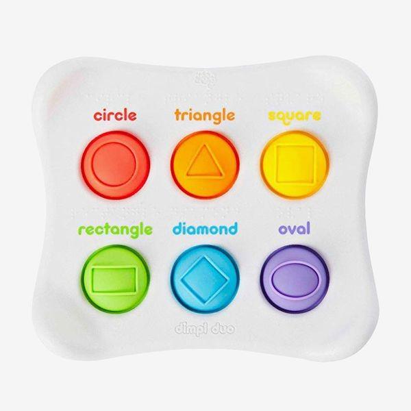 ألعاب-الطفل-في-عمر-السنة-لعبة-الأزرار-والألوان